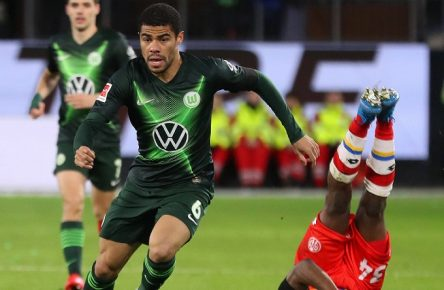 VfL vs Mainz, 1. BL Wolfsburg, 23.02.2020, FUßBALL - VfL Wolfsburg vs 1. FSV Mainz 05, 1. BL, Saison 2019/20, Volkswagen Arena. Bild zeigt: Paulo Otavio VfL Wolfsburg, Ridle Baku 1. FSV Mainz 05 DFL REGULATIONS PROHIBIT ANY USE OF PHOTOGRAPHS AS IMAGE SEQUENCES AND/OR QUASI-VIDEO. Wolfsburg *** VfL vs. Mainz, 1 BL Wolfsburg, 23 02 2020, FOOTBALL VfL Wolfsburg vs. 1 FSV Mainz 05, 1 BL, Season 2019 20, Volkswagen Arena Picture shows Paulo Otavio VfL Wolfsburg , Ridle Baku 1 FSV Mainz 05 DFL REGULATIONS PROHIBIT ANY USE OF PHOTOGRAPHS AS IMAGE SEQUENCES AND OR QUASI VIDEO Wolfsburg