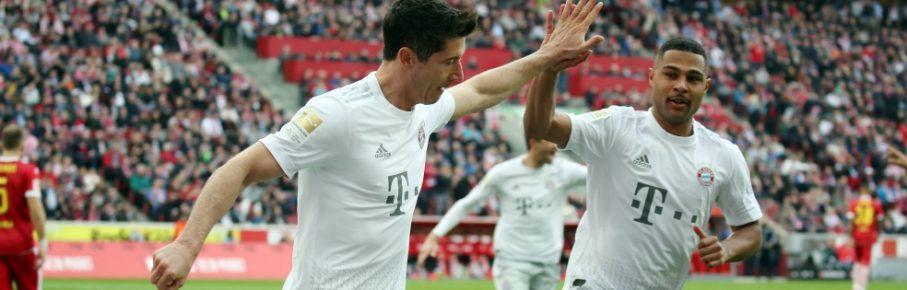 Serge Gnabry und Robert Lewandowski (l.) spielten einen überragenden Februar.