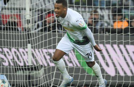 Alassane Plea jubelt für Borussia Mönchengladbach