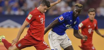 Robert Lewandowski (Bayern) erzielt das Tor zum 3:0 Salif Sane (Schalke) kann es nicht verhindern waehrend dem Fussball Bundesliga Spiel Schalke 04 gegen den FC Bayern Muenchen am 2. Spieltag der Saison 2019/2020 in der Veltins Arena am 24. August 2019 in Gelsenkirchen. *** Robert Lewandowski Bayern scores the goal of the 3-0 Salif Sane Schalke can not prevent it during the soccer Bundesliga game Schalke 04 against FC Bayern Munich on the 2 matchday of the season 2019 2020 in the Veltins Arena on 24 August 2019 in Gelsenkirchen PUBLICATIONxINxGERxAUTxHUNxONLY