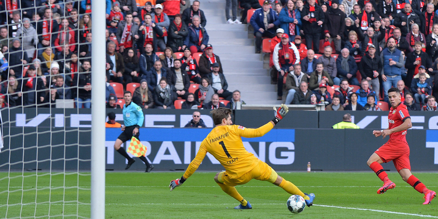 Leverkusens Paulinho trifft gegen Frankfurt