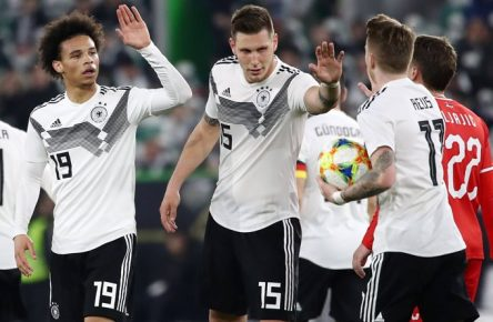 Deutschland - Serbien / Fussball Laenderspiel Wolfsburg, 20.03.2019, Volkswagen Arena, Fussball, Laenderspiel , BR Deutschland (GER) vs. Serbien (SRB) 1:1 (0:1) , Im Bild v.l.: Leroy Sane (19, GER, ManCity), Niklas Süle / Suele (15, GER, FC Bayern) und Marco Reus (11, GER, Dortmund). , DFB regulations prohibit any use of photographs as image sequences and/or quasi-video. , *** Germany Serbia Football international Wolfsburg 20 03 2019 Volkswagen Arena Football international BR Germany GER vs Serbia SRB 1 1 0 1 Im Bild v l Leroy Sane 19 GER ManCity Niklas Süle Suele 15 GER FC Bayern und Marco Reus 11 GER Dortmund DFB regulations prohibit any use of photographs as image sequences and or quasi video