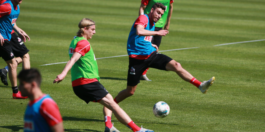 Wieder am Ball: Sebastiaan Bornauw und Jonas Hector vom 1. FC Köln