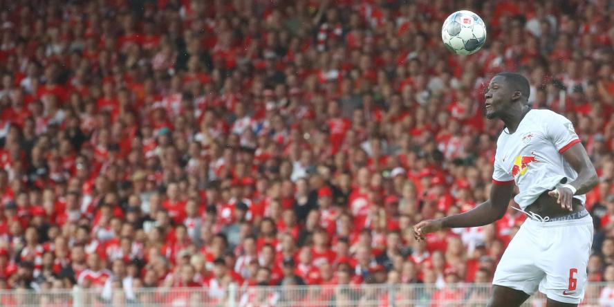 Stark in der Luft: Ibrahima Konate von RB Leipzig
