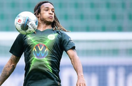 VfL Wolfsburg - Eintracht Frankfurt Fußball, 1. Bundesliga 2019/20, VfL Wolfsburg - Eintracht Frankfurt: Kevin Mbabu Wolfsburg Photo: Tim Groothuis/Witters/Pool via xim.gs DFL regulations prohibit any use of photographs as image sequences and/or quasi-video. Editorial use only. National and international news agencies out. Wolfsburg Deutschland *** VfL Wolfsburg Eintracht Frankfurt Football, 1 Bundesliga 2019 20, VfL Wolfsburg Eintracht Frankfurt Kevin Mbabu Wolfsburg Photo Tim Groothuis Witters Pool via xim gs DFL regulations prohibit any use of photographs as image sequences and or quasi video Editorial use only National and international news agencies out Wolfsburg Germany Poolfoto xim.gs ,EDITORIAL USE ONLY