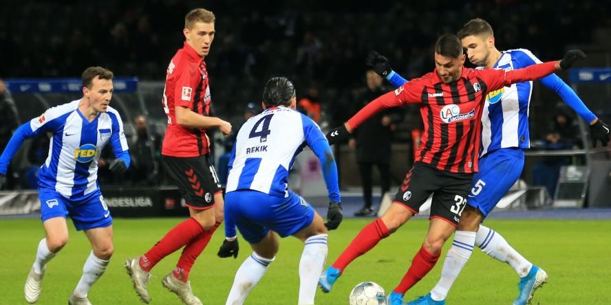 Hertha BSC und der SC Freiburg kämpfen um die Europa League.