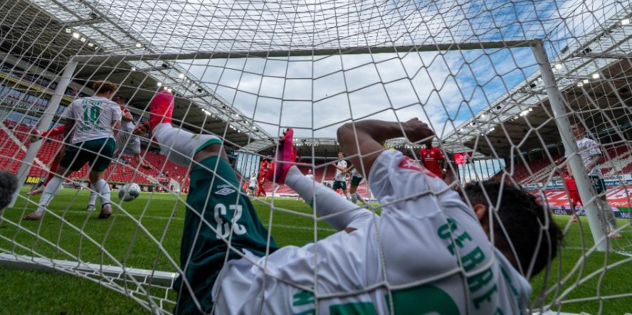 Theodor Gebre Selassie könnte dem SV Werder fehlen.