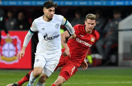 Lars Bender  Bayer 04 Leverkusen  im Zweikampf mit Suat Serdar  Schalke 04 . 07.12.2019, Fussball, 1. Bundesliga, Bayer 04 Leverkusen vs Schalke 04 DFL REGULATIONS PROHIBIT ANY USE OF PHOTOGRAPHS AS IMAGE SEQUENCES AND/OR QUASI-VIDEO 07.12.2019, Fussball, 1. Bundesliga, Bayer 04 Leverkusen vs Schalke 04 Leverkusen *** Lars Bender Bayer 04 Leverkusen in duel with Suat Serdar Schalke 04 07 12 2019, Football, 1 Bundesliga, Bayer 04 Leverkusen vs Schalke 04 DFL REGULATIONS PROHIBIT ANY USE OF PHOTOGRAPHS AS IMAGE SEQUENCES AND OR QUASI VIDEO 07 12 2019, Football, 1 Bundesliga, Bayer 04 Leverkusen vs Schalke 04 Leverkusen Copyright: xThomasxThienelx/Eibner-Pressefotox EPttl