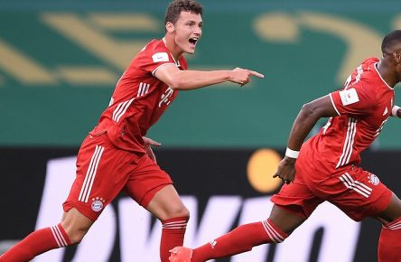 DFB-Pokal Finale: Bayern Muenchen - Bayer Leverkusen, 04.07.2020 Jubel Tor 0:1 David Alaba FCB mit Benjamin Pavard FCB. Fussball: DFB-Pokal: Saison 19/20: Finale: Bayern Muenchen - Bayer Leverkusen, 04.07.2020 Foto: Marvin Ibo Güngör/GES/POOL DFL REGULATIONS PROHIBIT ANY USE OF PHOTOGRAPHS as IMAGE SEQUENCES and/or QUASI-VIDEO, EDITORIAL USE ONLY, Berlin BE Deutschland *** DFB Pokal Final Bayern Muenchen Bayer Leverkusen, 04 07 2020 Cheering Goal 0 1 David Alaba FCB with Benjamin Pavard FCB Sport Fussball DFB Pokal Saison 19 20 Final Bayern Muenchen Bayer Leverkusen, 04 07 2020 Photo Marvin Ibo Güngör GES POOL Berlin BE Germany Poolfoto Marvin Ibo Güngör/GES/POOL ,EDITORIAL USE ONLY
