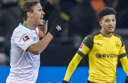 Fußball: 1. Bundesliga, Saison 2018/2019, 15. Spieltag, Borussia Dortmund - SV Werder Bremen am 15.12.2018 im Signal Iduna Park in Dortmund (Nordrhein-Westfalen). Bremens Max Kruse (l.) meckert, rechts Dortmunds Jadon Sancho. DFL REGULATIONS PROHIBIT ANY USE OF PHOTOGRAPHS AS IMAGE SEQUENCES AND/OR QUASI-VIDEO. *** Soccer 1 Bundesliga Season 2018 2019 15 Matchday Borussia Dortmund SV Werder Bremen on 15 12 2018 at Signal Iduna Park in Dortmund North Rhine-Westphalia Bremen Max Kruse l complains right Dortmund Jadon Sancho DFL REGULATIONS PROHIBIT ANY USE OF PHOTOGRAPHS AS IMAGE SEQUENCES AND OR QUASI VIDEO Copyright: xKirchner/DavidxInderliedx