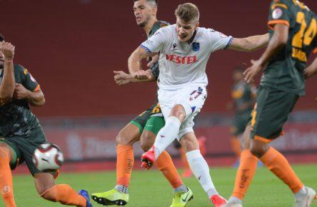 Alexander Sörloth im Einsatz für Trabzonspor