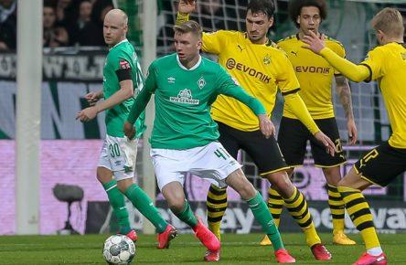 v.li.: Nick Woltemade SV Werder Bremen, 41 und Mats Hummels Borussia Dortmund, BVB, 15 im Zweikampf, Duell, Dynamik, Aktion, Action, Spielszene, DIE DFL-RICHTLINIEN UNTERSAGEN JEGLICHE NUTZUNG VON FOTOS ALS SEQUENZBILDER UND/ODER VIDEOAHNLICHE FOTOSTRECKEN. DFL REGULATIONS PROHIBIT ANY USE OF PHOTOGRAPHS AS IMAGE SEQUENCES AND/OR QUASI-VIDEO., 22.02.2020, Bremen Deutschland, Fussball, Bundesliga, SV Werder Bremen - Borussia Dortmund *** From left to right Nick Woltemade SV Werder Bremen, 41 and Mats Hummels Borussia Dortmund, BVB, 15 in the duel, duel, dynamics, action, action, game scene, THE DFL GUIDELINES DO NOT PROHIBIT ANY USE OF PHOTOGRAPHS AS IMAGE SEQUENCES AND OR QUASI VIDEO , 22 02 2020, Bremen Germany , Football, Bundesliga, SV Werder Bremen Borussia Dortmund xobx