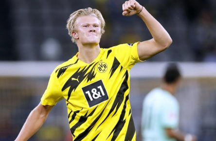 HAALAND Erling Team BVB jubelt nach seinem verwandeltem 11m zum 2 : 0 Fussball Bundesliga Saison 2020-2021 Spiel BVB - Borussia Moenchengladbach 3 : 0 am 19. September in Dortmund DFL REGULATIONS PROHIBIT ANY USE OF PHOTOGRAPHS as IMAGE SEQUENCES and/or QUASI-VIDEO *** HAALAND Erling Team BVB celebrates after his transformed 11m to 2 0 Football Bundesliga Season 2020 2021 Game BVB Borussia Moenchengladbach 3 0 on 19 September in Dortmund DFL REGULATIONS PROHIBIT ANY USE OF PHOTOGRAPHS as IMAGE SEQUENCES and or QUASI VIDEO