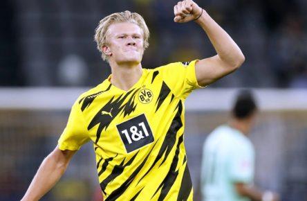 HAALAND Erling Team BVB jubelt nach seinem verwandeltem 11m zum 2 : 0 Fussball Bundesliga Saison 2020-2021 Spiel BVB - Borussia Moenchengladbach 3 : 0 am 19. September in Dortmund DFL REGULATIONS PROHIBIT ANY USE OF PHOTOGRAPHS as IMAGE SEQUENCES and/or QUASI-VIDEO *** HAALAND Erling Team BVB celebrates after his transformed 11m to 2 0 Football Bundesliga Season 2020 2021 Game BVB Borussia Moenchengladbach 3 0 on 19 September in Dortmund DFL REGULATIONS PROHIBIT ANY USE OF PHOTOGRAPHS as IMAGE SEQUENCES and or QUASI VIDEO