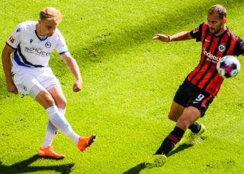 Am Ball für Arminia Bielefeld: Amos Pieper