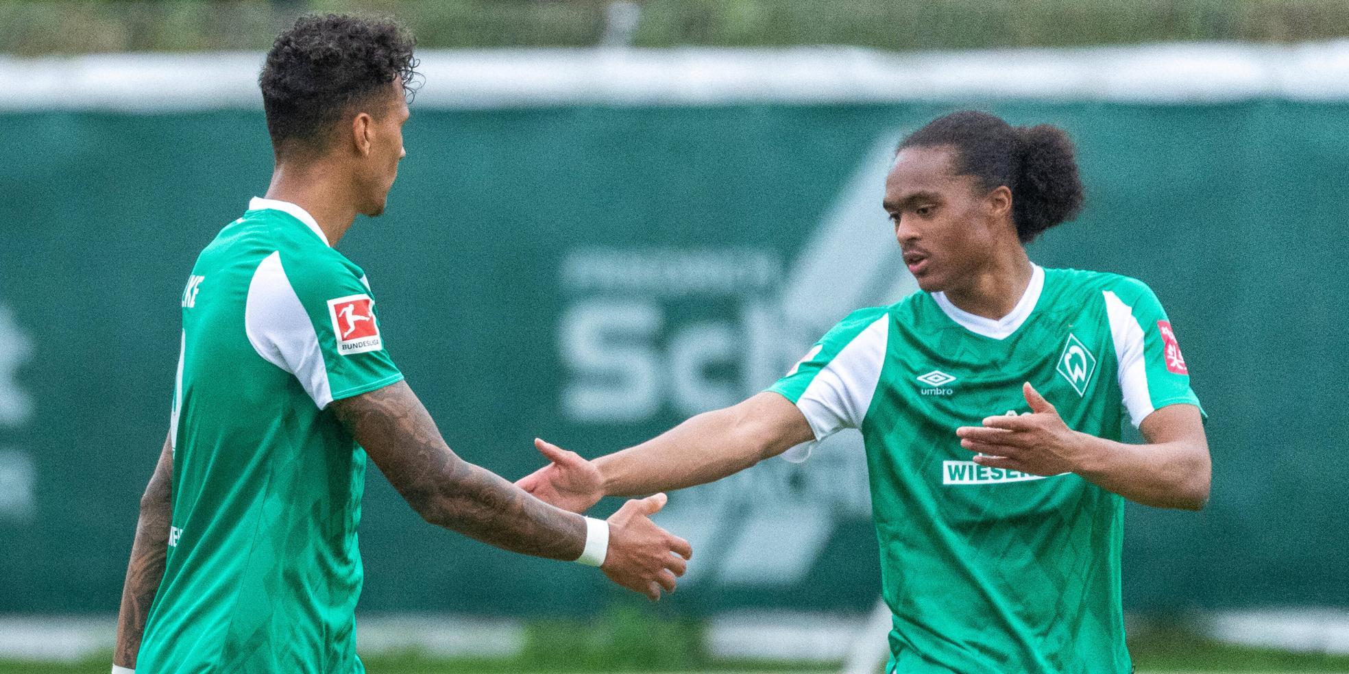 Davie Selke und Tahith Chong von Werder Bremen