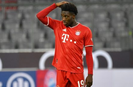 Alphonso DAVIES Bayern Muenchen, Gestik,skeptisch, Aktion,Einzelbild,angeschnittenes Einzelmotiv,Halbfigur,halbe Figur. Fussball 1. Bundesliga Saison 2020/2021,3.Spieltag,Spieltag03, FC Bayern Muenchen M-Hertha BSC Berlin B 4-3, am 04.10.2020 A L L I A N Z ARENA, DFL REGULATIONS PROHIBIT ANY USE OF PHOTOGRAPHS AS IMAGE SEQUENCES AND/OR QUASI-VIDEO.EDITORIAL USE ONLY. *** Alphonso DAVIES Bayern Muenchen, gesture, skeptical, action, single image, cut single motif, half figure, half figure football 1 Bundesliga season 2020 2021,3 matchday, matchday03, FC Bayern Muenchen M Hertha BSC Berlin B 4 3, on 04 10 2020 A L L I A N Z ARENA, DFL REGULATIONS PROHIBIT ANY USE OF PHOTOGRAPHS AS IMAGE SEQUENCES AND OR QUASI VIDEO EDITORIAL USE ONLY