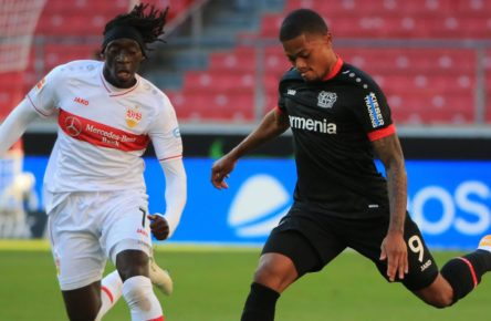 Leon Bailey im Duell mit Tanguy Coulibaly