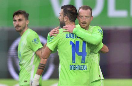 Admir Mehmedi und Maximilian Arnold vom VfL Wolfsburg