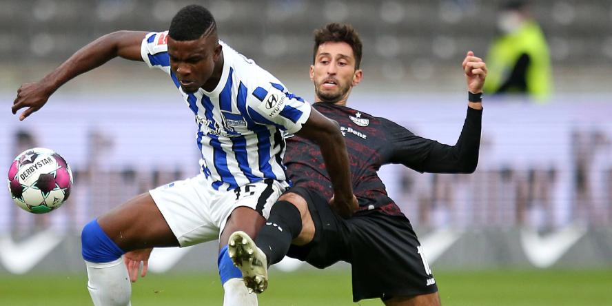 Im Duell mit Jhon Cordoba: Atakan Karazor vom VfB Stuttgart