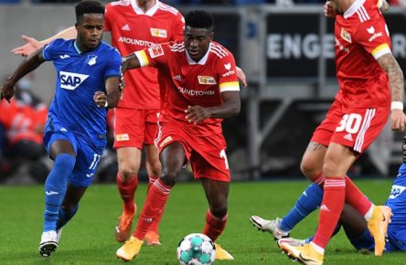 Fussball, Herren, Saison 2020/2021, 1. Bundesliga 6. Spieltag, TSG 1899 Hoffenheim - 1. FC Union Berlin, v. l. Ryan Sessegnon TSG 1899 Hoffenheim, Taiwo Awoniyi 1. FC Union Berlin, Robert Andrich 1. FC Union Berlin, im Hintergrund Sebastian Griesbeck 1. FC Union Berlin, Diadie Samassekou TSG 1899 Hoffenheim, 02.11. 2020, *** Soccer, men, season 2020 2021, 1 Bundesliga 6 matchday, TSG 1899 Hoffenheim 1 FC Union Berlin, from l Ryan Sessegnon TSG 1899 Hoffenheim , Taiwo Awoniyi 1 FC Union Berlin , Robert Andrich 1 FC Union Berlin , in the background Sebastian Griesbeck 1 FC Union Berlin , Diadie Samassekou TSG 1899 Hoffenheim , 02 11 2020, Copyright: xMatthiasxKochx