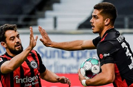 Andre Silva und Amin Younes von Eintracht Frankfurt