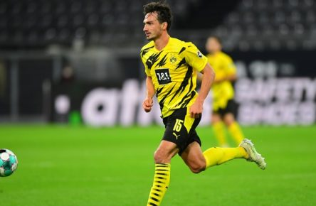 Fussball Mats Hummels Dortmund Dortmund, 24.10.2020, Fussball Bundesliga, Borussia Dortmund - FC Schalke 04 3:0 via Norbert Schmidt Dortmund *** Football Mats Hummels Dortmund Dortmund, 24 10 2020, Football Bundesliga, Borussia Dortmund FC Schalke 04 3 0 via Norbert Schmidt Dortmund Poolfoto Peters/Witters/Pool/Witters via Norbert Schmidt ,EDITORIAL USE ONLY
