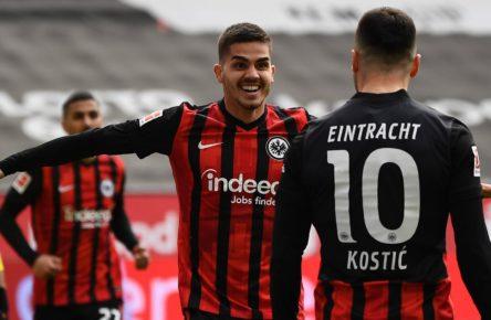 Filip Kostic und Andre Silva von Eintracht Frankfurt
