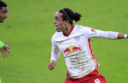 POULSEN Yussuf Team RB Leipzig mit LACROIX DFB Pokal Saison 2020-2021 Viertelfinale RB Leipzig - VFL Wolfsburg am 03. 03.2021 in Leipzig DFL REGULATIONS PROHIBIT ANY USE OF PHOTOGRAPHS as IMAGE SEQUENCES and/or QUASI-VIDEO *** POULSEN Yussuf Team RB Leipzig with LACROIX DFB Pokal Saison 2020 2021 Viertelfinale RB Leipzig VFL Wolfsburg am 03 03 2021 in Leipzig DFL REGULATIONS PROHIBIT ANY USE OF PHOTOGRAPHS as IMAGE SEQUENCES and or QUASI VIDEO