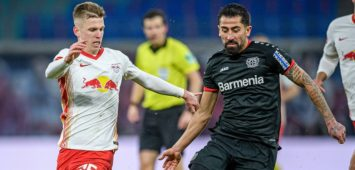 Leipzigs Dani Olmo weiss gegen Leverkusens Kerem Demirbay / RB Leipzig - Bayer 04 Leverkusen 1:0 / 30. Januar 2021: Leipzig, Red Bull Arena / Fussball 1. Bundesliga, 19. Spieltag. RB Leipzig - Bayer 04 Leverkusen 1:0 *** Leipzigs Dani Olmo white against Leverkusens Kerem Demirbay RB Leipzig Bayer 04 Leverkusen 1 0 30 January 2021 Leipzig, Red Bull Arena Football 1 Bundesliga, Matchday 19 RB Leipzig Bayer 04 Leverkusen 1 0