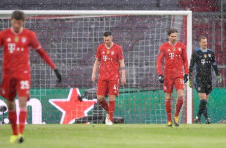 Leon Goretzka (r.) und Niklas Süle musste gegen PSG vorzeitig ausgewechselt werden.
