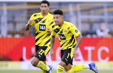 SANCHO Jadon mit BELLINGHAM Jude Team BVB Fussball Bundesliga Saison 2020-2021 Spiel BVB - Borussia Moenchengladbach 3 : 0 am 19. September in Dortmund DFL REGULATIONS PROHIBIT ANY USE OF PHOTOGRAPHS as IMAGE SEQUENCES and/or QUASI-VIDEO *** SANCHO Jadon with BELLINGHAM Jude Team BVB Fussball Bundesliga Season 2020 2021 Game BVB Borussia Moenchengladbach 3 0 on 19 September in Dortmund DFL REGULATIONS PROHIBIT ANY USE OF PHOTOGRAPHS as IMAGE SEQUENCES and or QUASI VIDEO