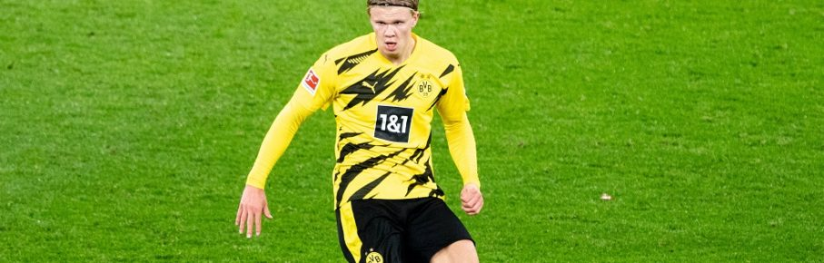 Erling HAALAND DO mit Ball, Einzelaktion mit Ball, Aktion, Fussball 1. Bundesliga, 7. Spieltag, Borussia Dortmund DO - FC Bayern Muenchen M 2:3, am 07.11.2020 in Dortmund/ Deutschland.  *** Erling HAALAND DO with ball, single action with ball, action, football 1 Bundesliga, 7 matchday, Borussia Dortmund DO FC Bayern Muenchen M 2 3, on 07 11 2020 in Dortmund Germany