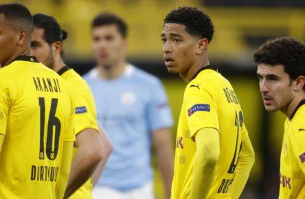 Dortmunds Jude Bellingham und Manuel Akanji stehen bei vier Gelben Karten