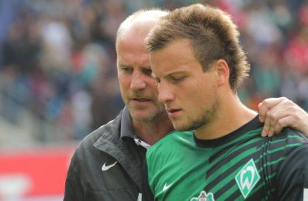Thomas Schaaf und Philipp Bargfrede von Werder Bremen