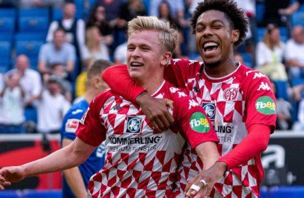 Jonathan Burkardt und Jean-Paul Boetius von Mainz 05